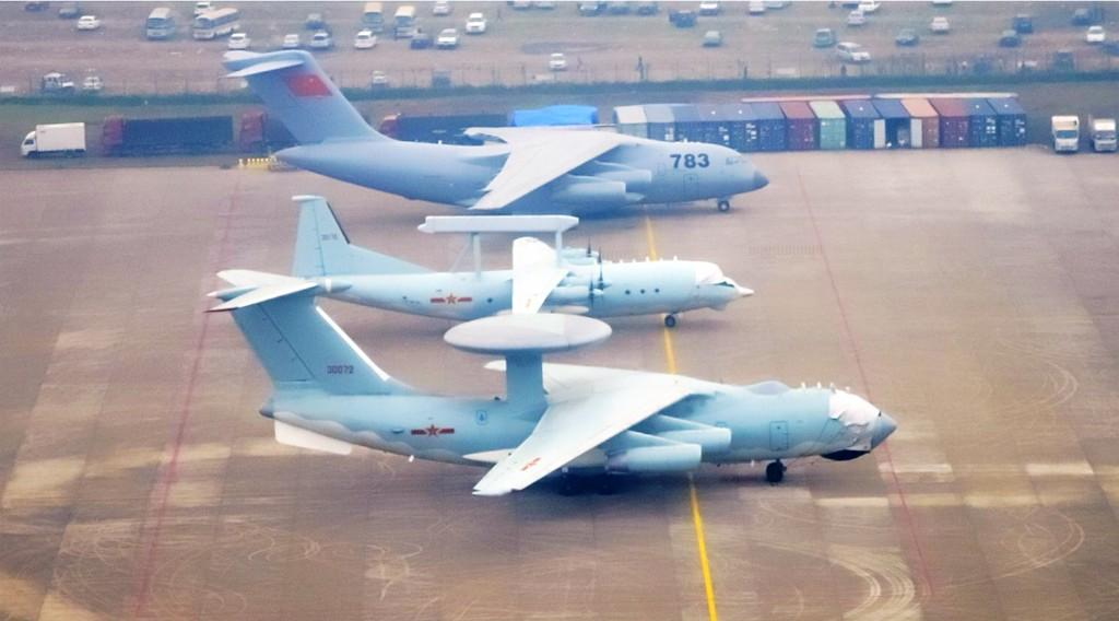 KJ-2000 , KJ-200 and Y-20 aircraft in one frame